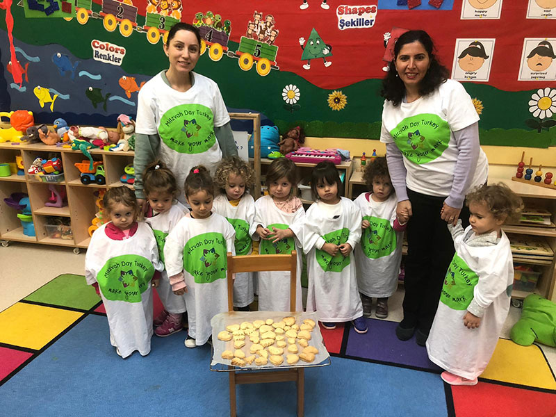 We helped those in need by selling cakes and cookies on Mitzvah Day.